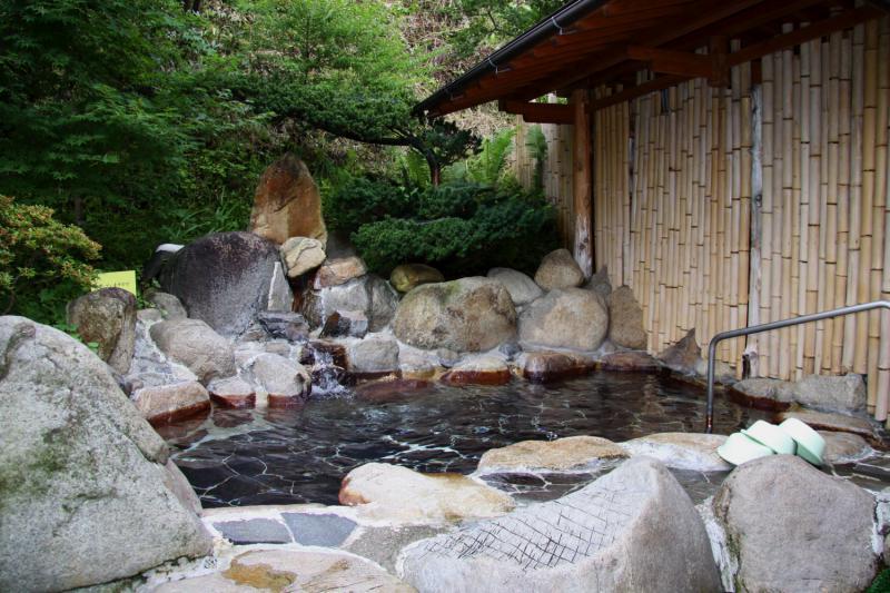 月居温泉 滝見の湯
